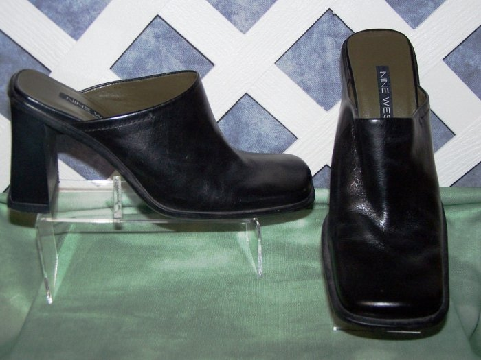 Womens Black Leather Nine West Mules Shoes Size 7 Like New