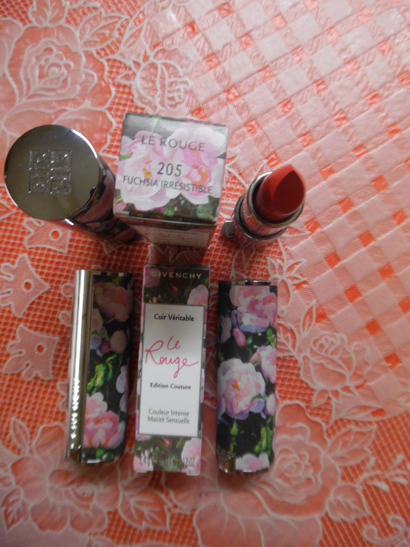 GIVENCHY Le Rouge Lipstick - 205 Fuchsia Irresistible