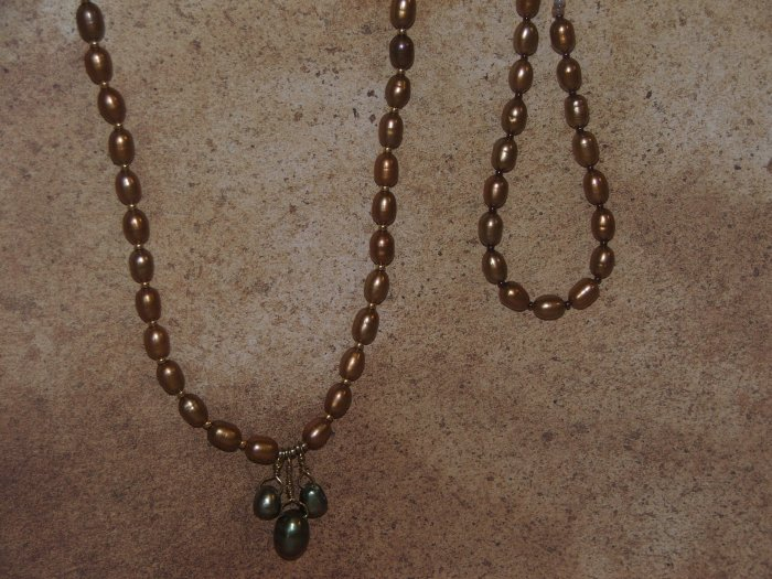 gold fresh water potatoe pearl necklace an bracelet set