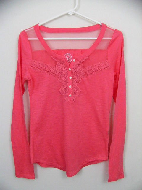 SO AUTHENTIC AMER HERITAGE CORAL SALMON SHIRT TOP SIZE SMALL SHEER SHOULDER LACE