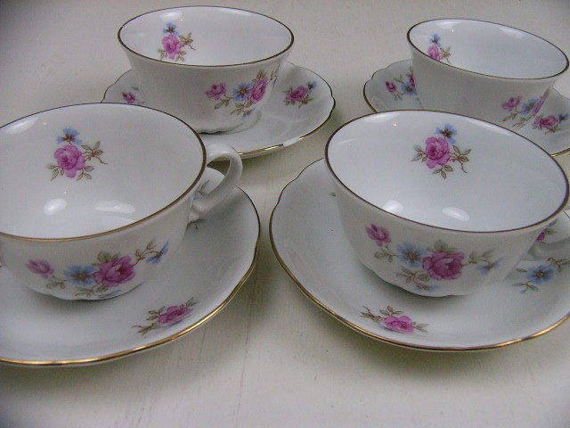 LOT 4 VERBANO DEMITASSE TEA CUPS & SAUCERS 'INDUSTRIA ARGENTINA' FLORAL CHINA