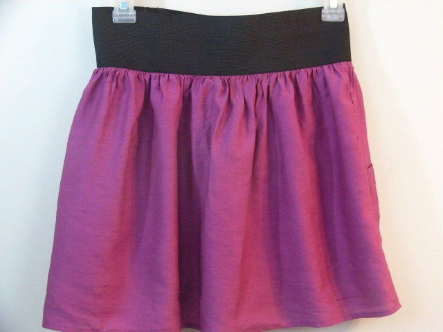CHARLOTTE RUSSE PURPLE MINI SKIRT SIZE SMALL BLACK WAIST BAND