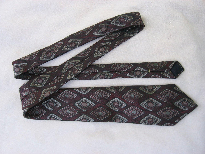 Oscar De La Renta Burgundy Diamond Pattern Neck Tie
