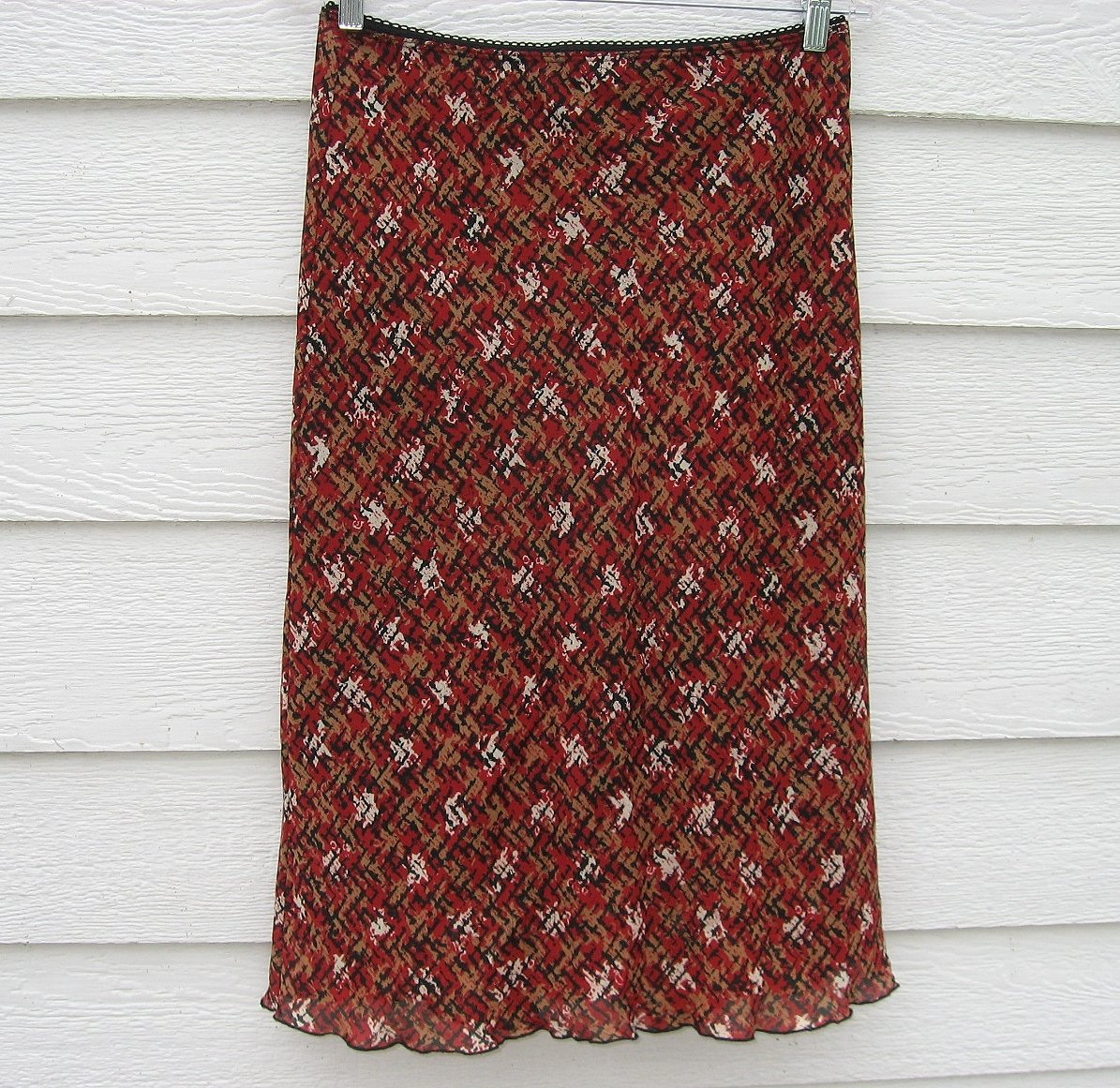 LaBelle FashionsSkirt 7 28 Waist  Red Black Pattern Layer CLEARANCE