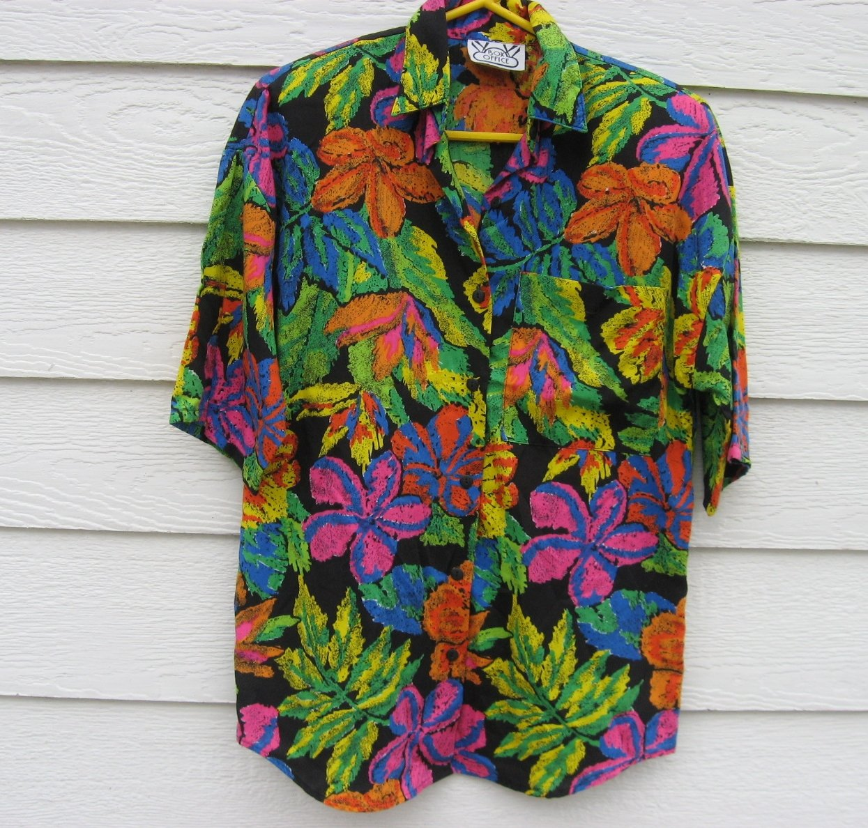 Box Office Small Black Blouse Small 8/10 39 chest Bold Print Shirt Padded Shoulders