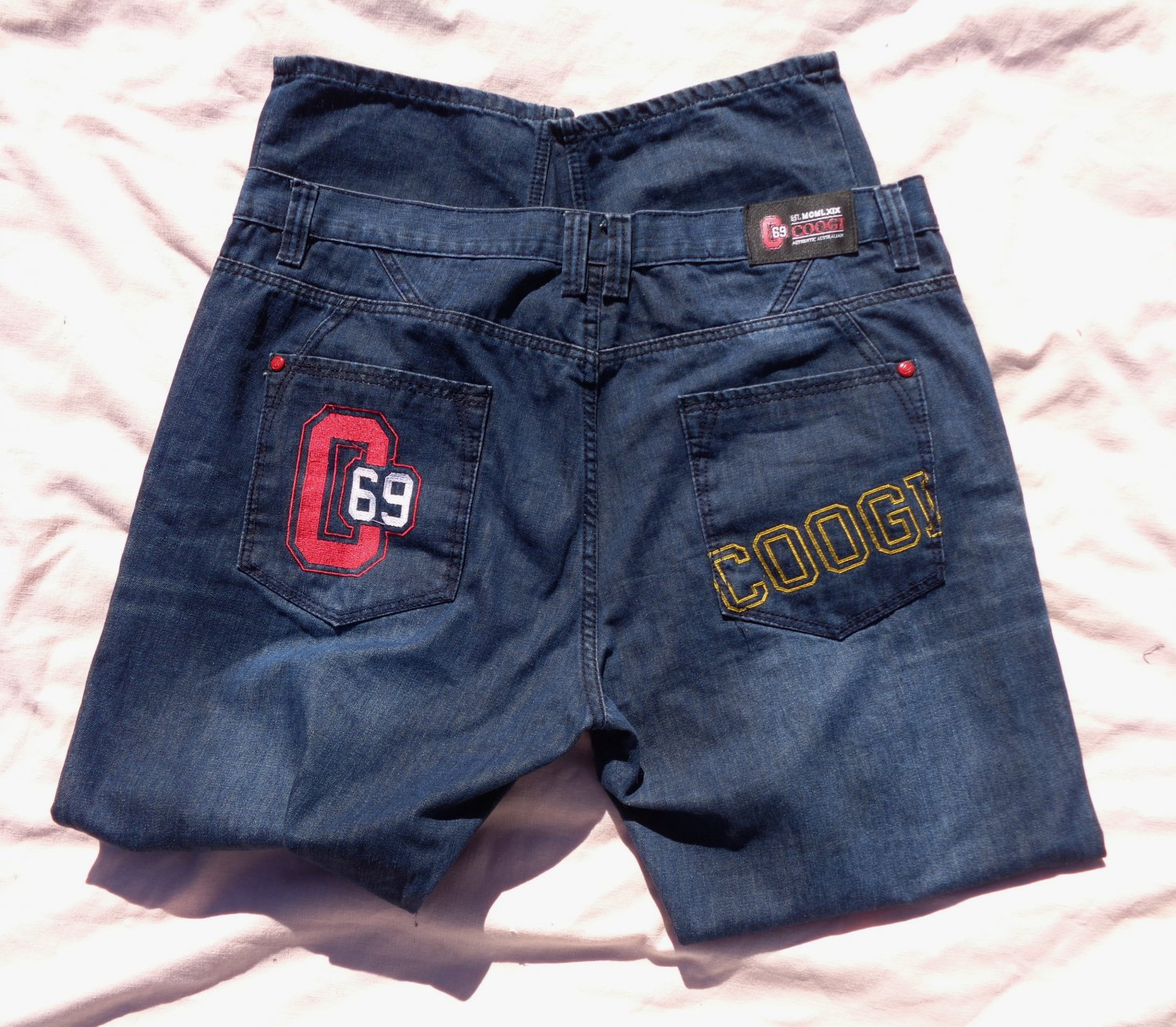 C69 Coogi Blue Jeans Mfg W42xL34 Act 44x34 Embroidered