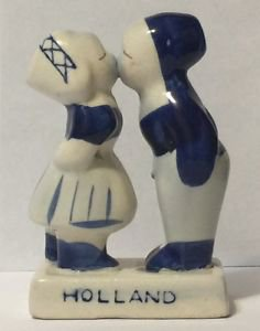 Holland Boy and Girl Kissing Ceramic Figurine Blue and White