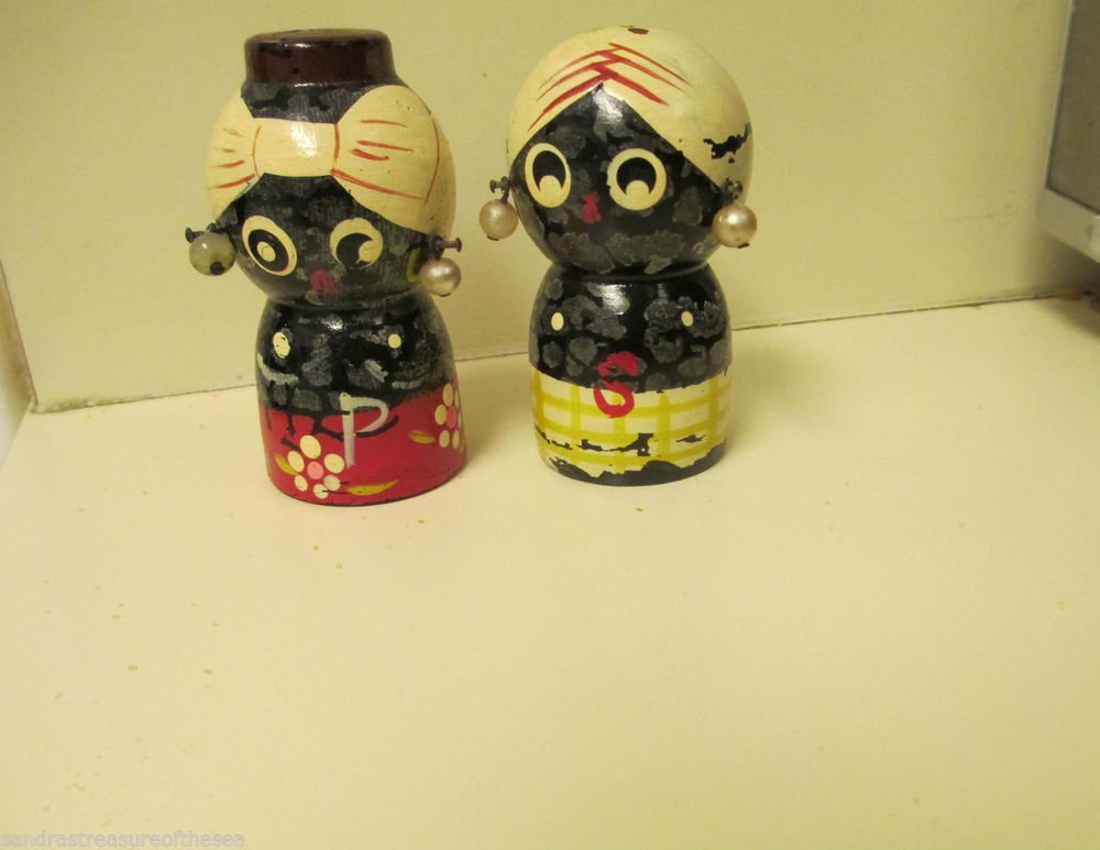 Vintage Wooden Black Americana Girls W Earrings Salt Pepper Set Original Corks