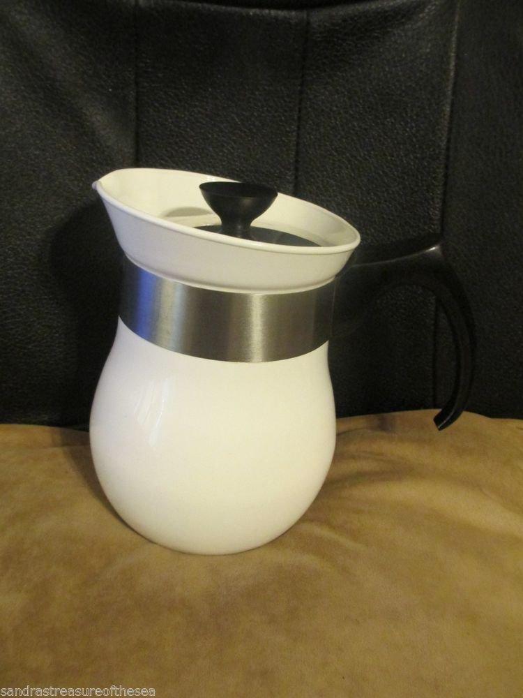 Corelle Corning Ware Centura  6 Cup Coffee Tea Pot with Original Metal Lid 1960s