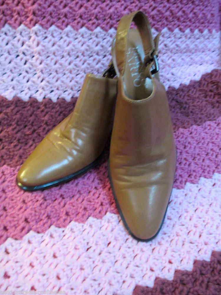 Ladies Size  8 1/2 M Franco Sarto  3 Inch Heel Gently Worn Classic Sling Back