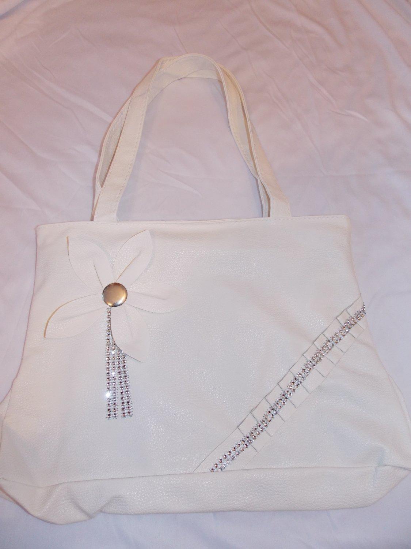 White Handbag (P100wh)