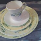 Corelle Corning Sun Garden Pattern/GUC/YeLLOW  Band W/Flowers/15 YR./1-5 PC.SETG