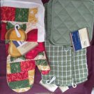 KITCHEN BAR BUNDLE (2) TERRY TOWELS (2) SCRUBBIE (2)POTHOLDER (1) OVEN MITT NEW