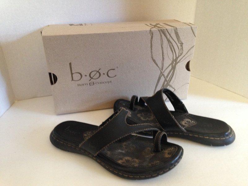 0f5455553f21 BOC Laurina Black Toe Wrap Flip Flop Sandals 7 38 w Box Born Concepts EC