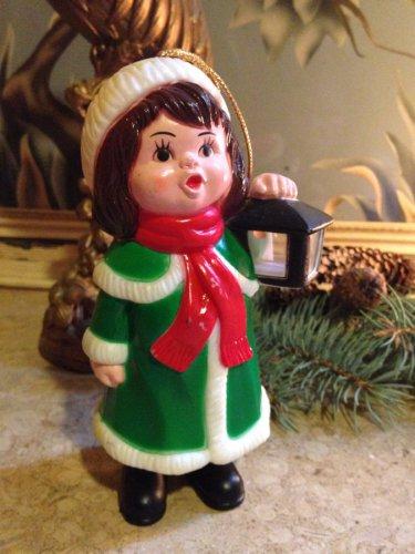 vtg 1982 Carolites Lighted Musical Caroller w/box Christmas Ornament Figurine