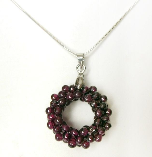 Red Garnet Wreath Circle Cluster 925 Silver Chain Necklace  GIFT BOXED