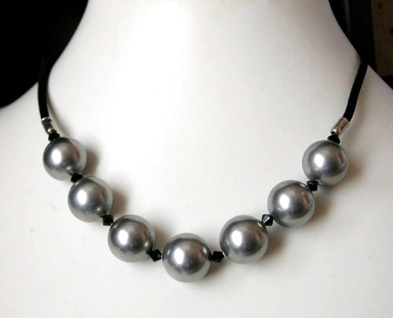 "7 Grey 14mm Shell Pearl 17"" Black Velour Cord Necklace   Magnetic Clasp"