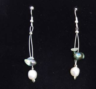 Gilligan's Seaside Pearl and Swarovski Crystals Earrings Made in USA Unique ~~