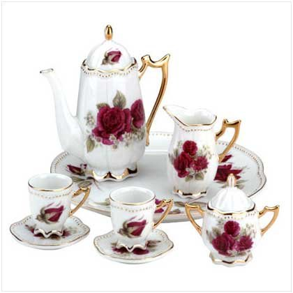 3152500: 10 pc Beautifully Detailed Miniature Tea Set with Roses