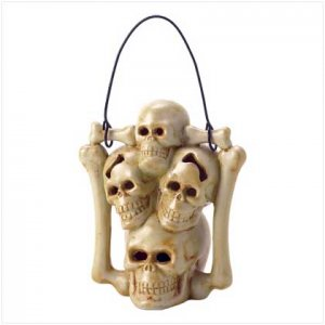 3822700: Gothic Skulls Tealight Candleholder