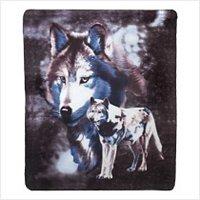 3934500: Wildlife Wolves Fleece Blanket