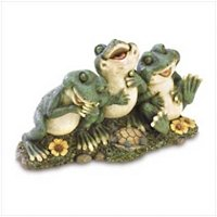 3881200: Froggy Friends Forever Statue - Home and Garden Decor