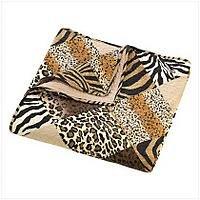 3972100 Jungle Print Quilt/Comforter Queen Size