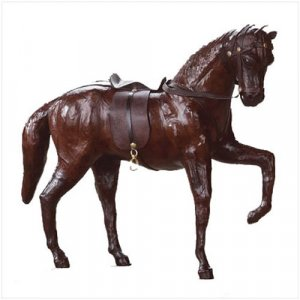 2530200: Leather Horse with Saddle and Harness