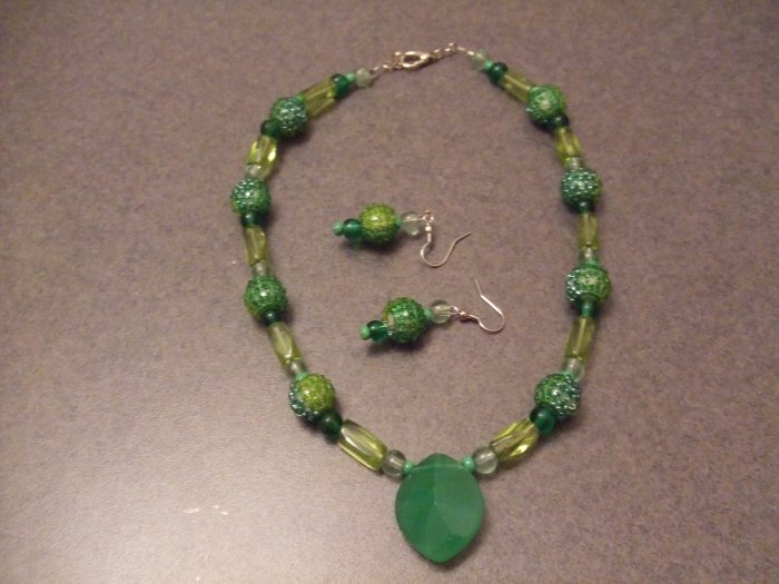 Old Keywest collection necklace and earrings