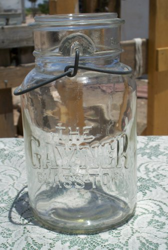 The Gayner Glass Top Gayner Glass Works Salem, N.J. clear wire bail quart jar