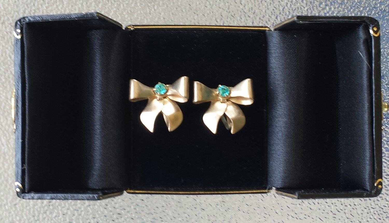 Vintage 1940s Brass Tone Ribbon Bowties w/ Blue Rhinestones Screw Back Earrings