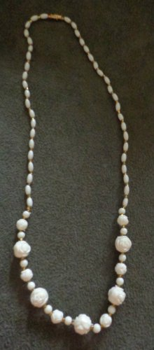 Vintage Estate Jewelry White Rose Beaded Necklace