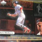 Mark McGwire 1999 Upper Deck Ovation ReMarkable Moments  #M2