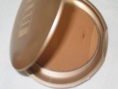 MILANI Smooth Finish Pressed Powder Compact  #01 RICH BEIGE Face Finish Powder MATTE