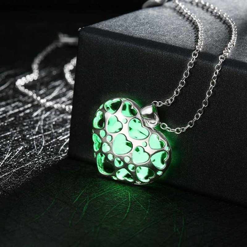 New Heart Shape Lover Pendant Necklace Luminous Glowing Necklace Glow In Dark!