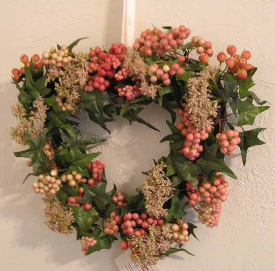Sweet Heart Berry Wreath - Home Interiors HOMCO