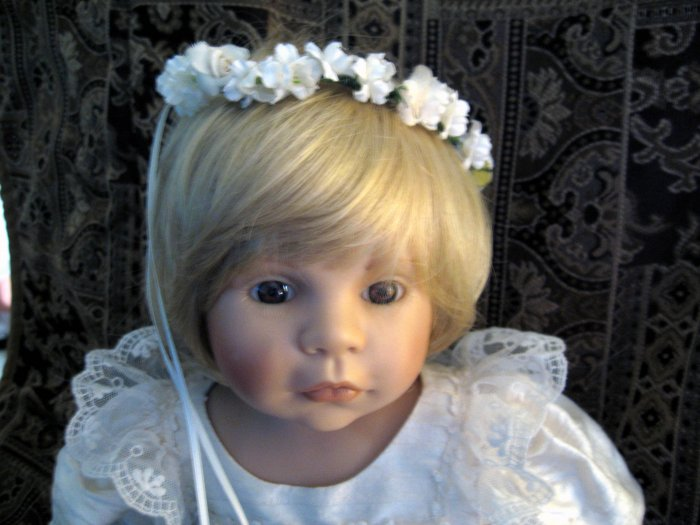 "ZAPF CREATIONS DOLL OF THE YEAR 1998 ""ROSALIE"" A MUST SEE"