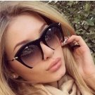 Women Wear Metal Temple Style SunGlasses
