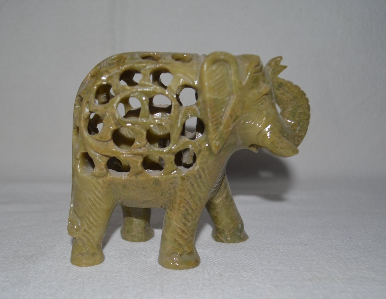 Decorative Solid Marble Elephant Pair handicraft decorative for gifts.