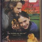 New/Sealed - FLY AWAY HOME VHS Clamshell 043396824300