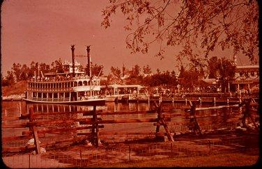 Disneyland 35mm STEAMBOAT UNDER WAY Souvenir Slide (1972) 0659