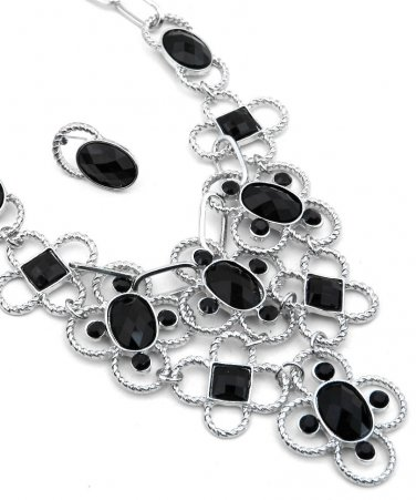 Beautiful bib necklace w/ black stones & silver tone links earrings included