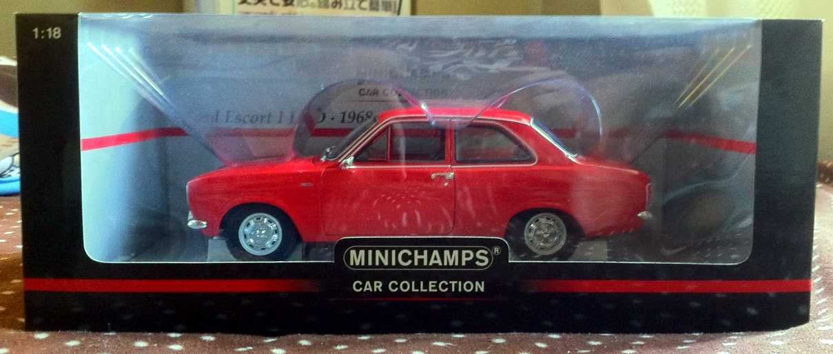 1/18 Minichamps Ford Escort I LHD Red 1968