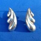 STERLING SILVER FLOWING DESIGN PIERCED EARRINGS. VERY PRETTY !!