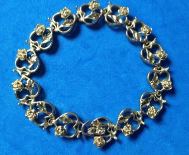 """LOVELY CUT GOLD METAL ROSES IN HEARTS LINK BRACELET 8.25"""" X 1/2"""" ROMANTIC PIECE!"""
