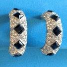 STUNNING VINTAGE RHINESTONE AND BLACK DIAMOND SHAPE STONE HOOP CLIP ON EARRINGS
