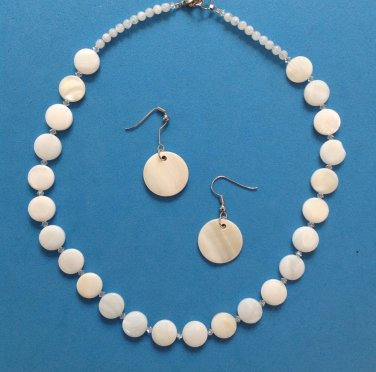 "16 1/2"" X 1/2""  MOTHER OF PEARL & CLEAR FACETED CRYSTALS CHOKER & EARRING SET"