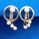 "VINTAGE GOLD TONE & COSTUME PEARL SCREW ON EARRINGS 1"" X 5/8"""