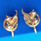 "VINTAGE DAINTY ""ALICE"" GOLD TONE SCREW ON EARRINGS 1/2"" X 3/4"". SO SWEET !!"