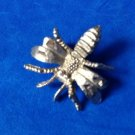 "FUN LITTLE GOLD TONE BEE PIN - SHINY & TEXTURED DETAILS 1"" X 1"""